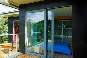 Алюминиевые двери, изготовленные по ГОСТу