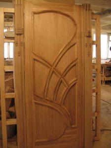 Двери из сосны филенчатые