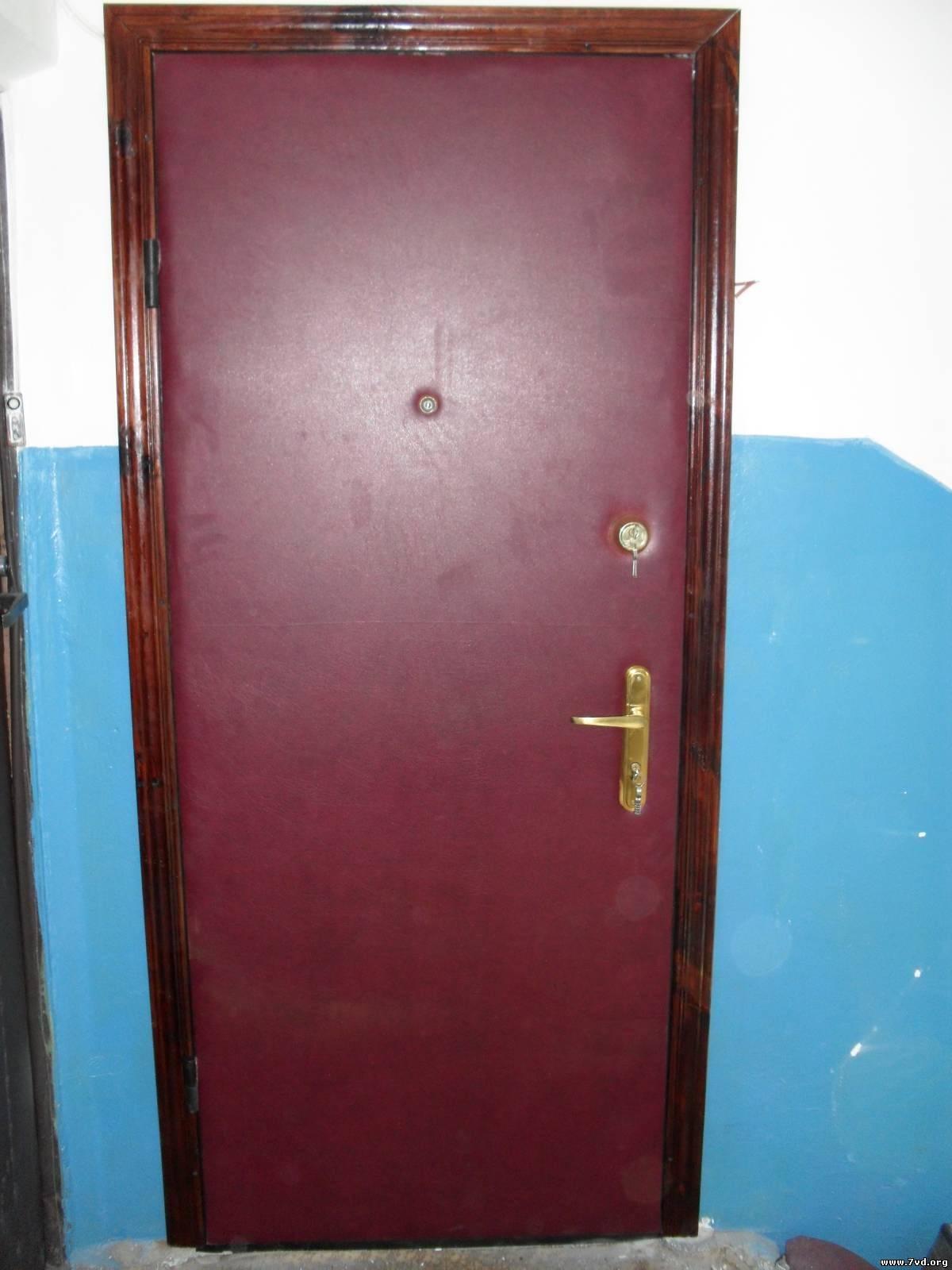 Двери входные обшитые своими руками дермантином
