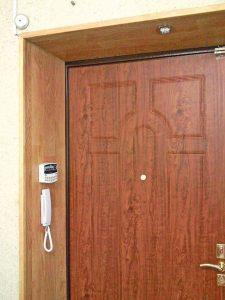 Украшаем дверной проём входной двери
