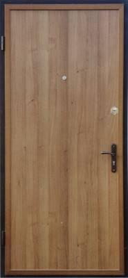 Металлическая дверь, покрытая ламинатом
