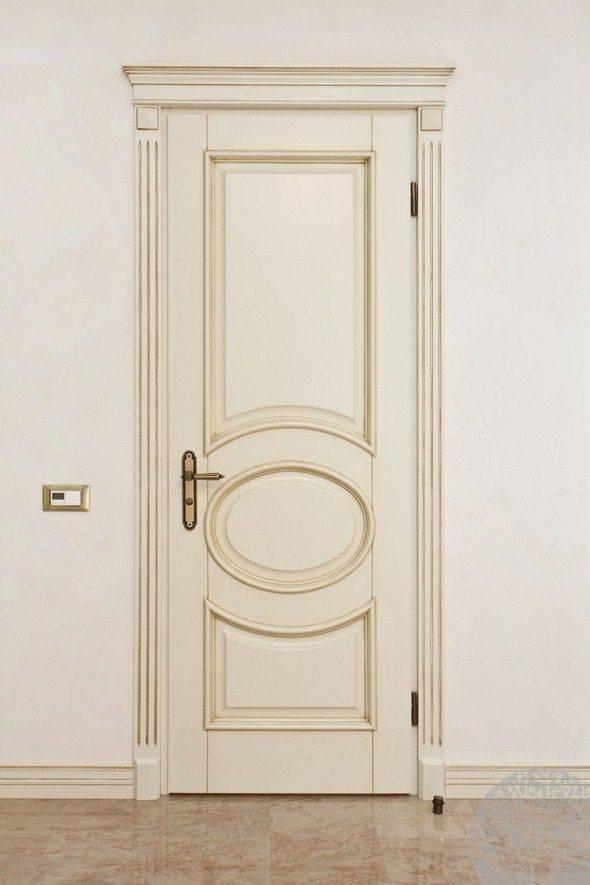 Светлые двери в интерьере и их особенности