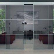 Выбираем стеклянные раздвижные конструкции