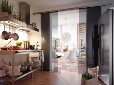 Раздвижные стеклянные двери в кухню