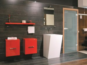 Стеклянные двери для ванной