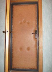 Утепляем входную деревянную дверь