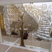Стеклянные декорированные перегородки