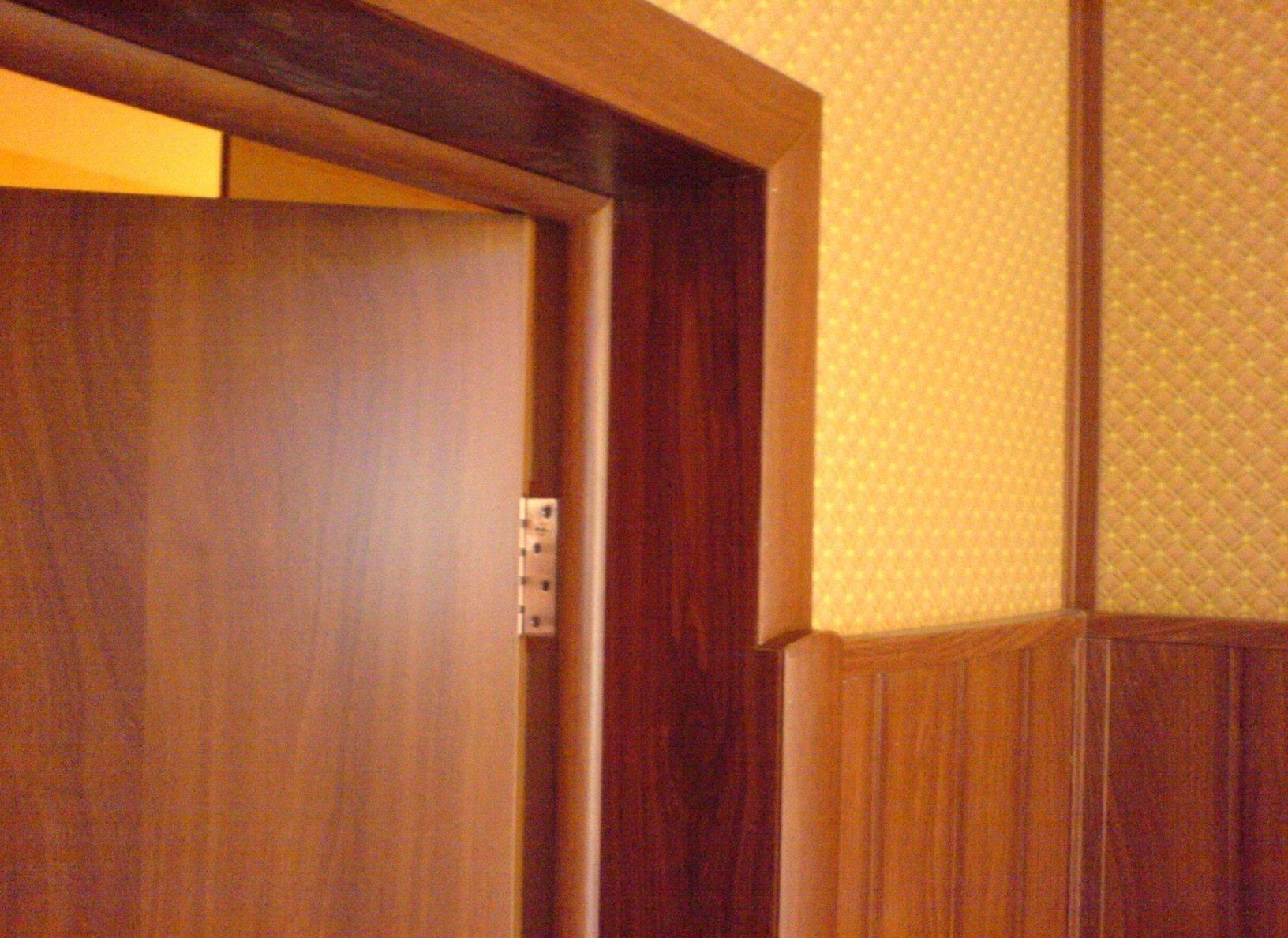 Установка доборов для входной двери своими руками