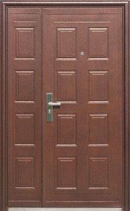 Двойная дверь на входе в квартиру