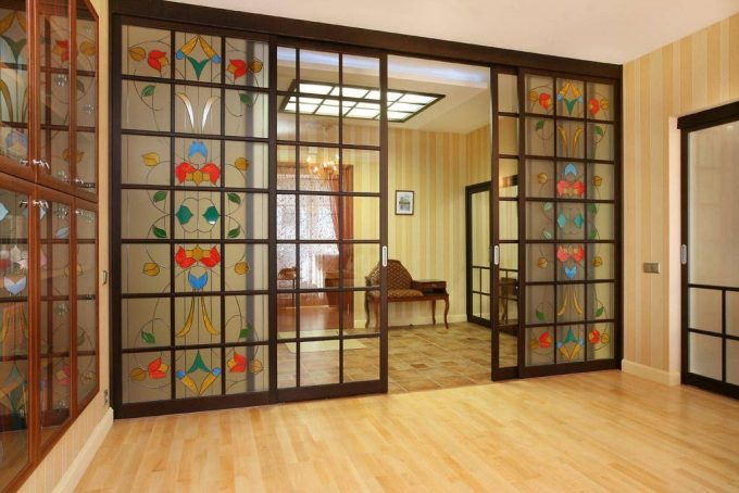 Витражные раздвижные двери