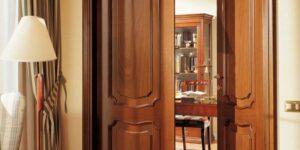 Двери из массива. Плюсы минусы и особенности